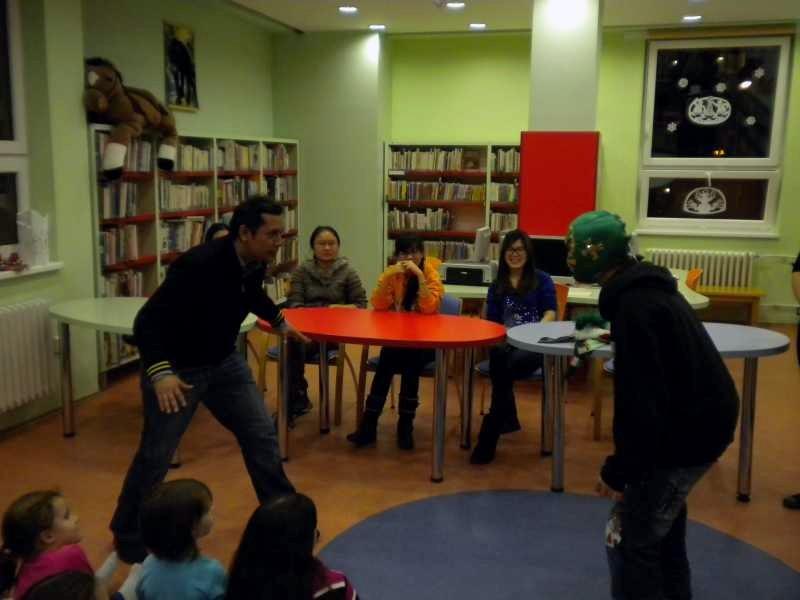 Wrestlingový souboj Roberta a Robina