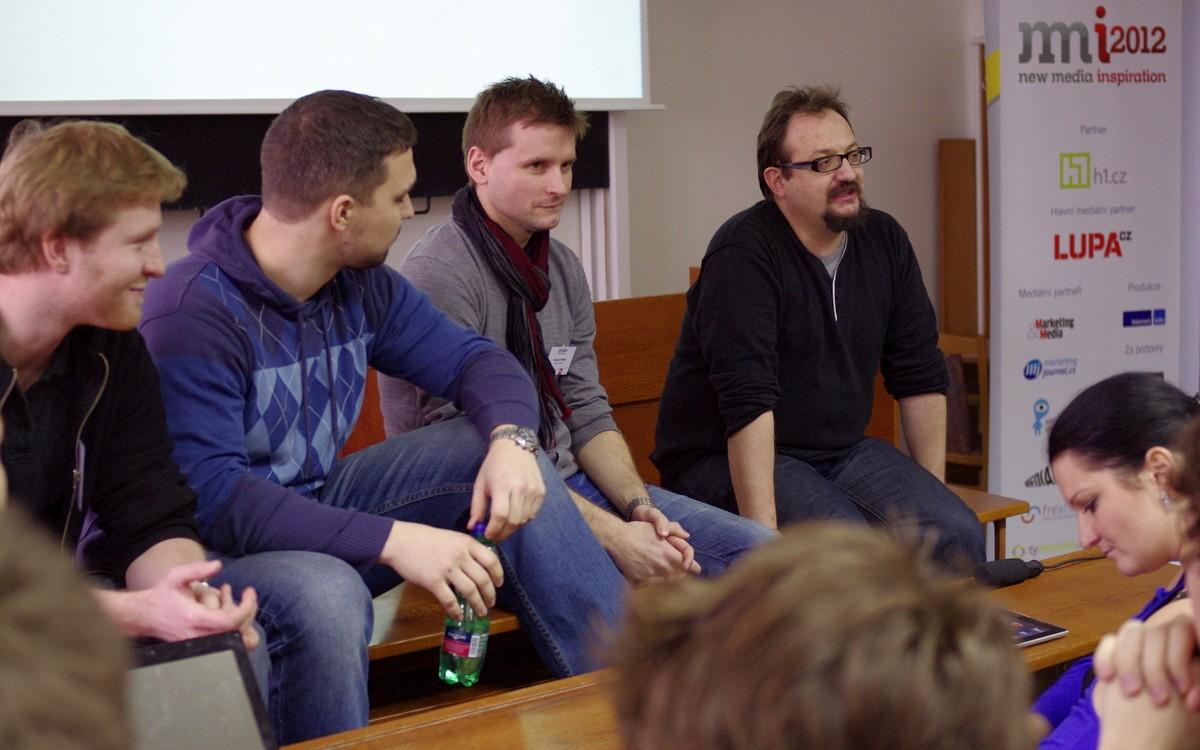 Panel absolventů SNM a vedoucí oboru Josef Šlerka