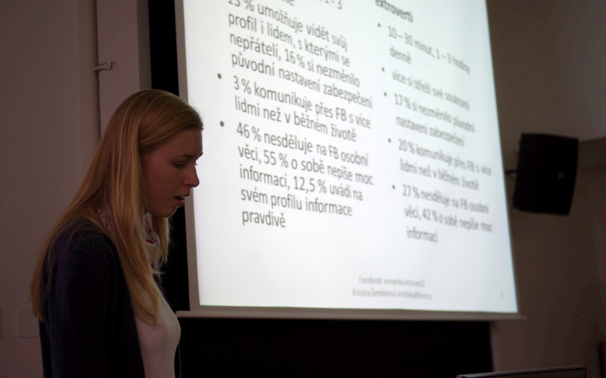 Kristina Šemberová uvedla i několik zajímavých statistik ohledně využívání Facebooku