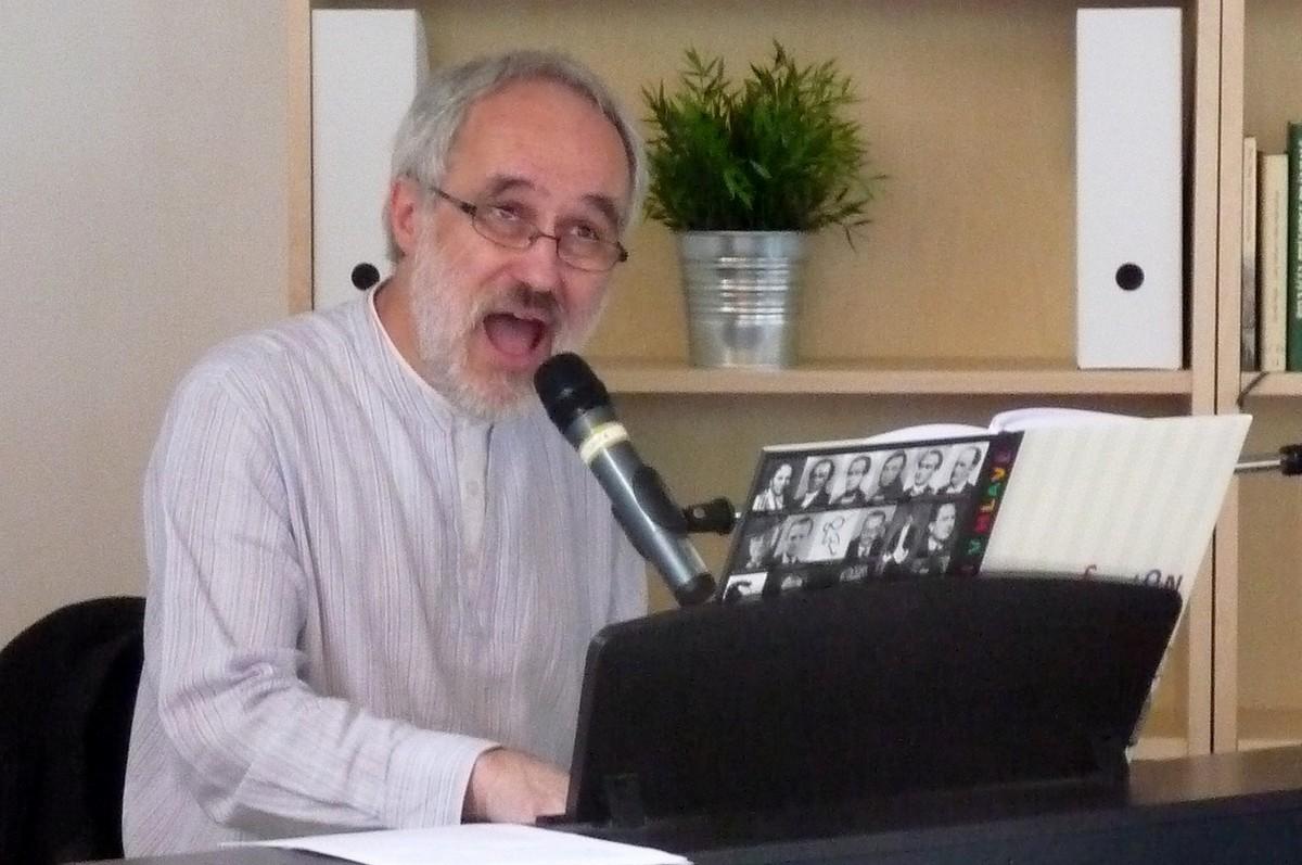 Přemysl Rut po Revoluci pracoval jako redaktor Literárních novin, později jako umělec na volné noze a posledních třináct let jako pedagog na pražské DAMU