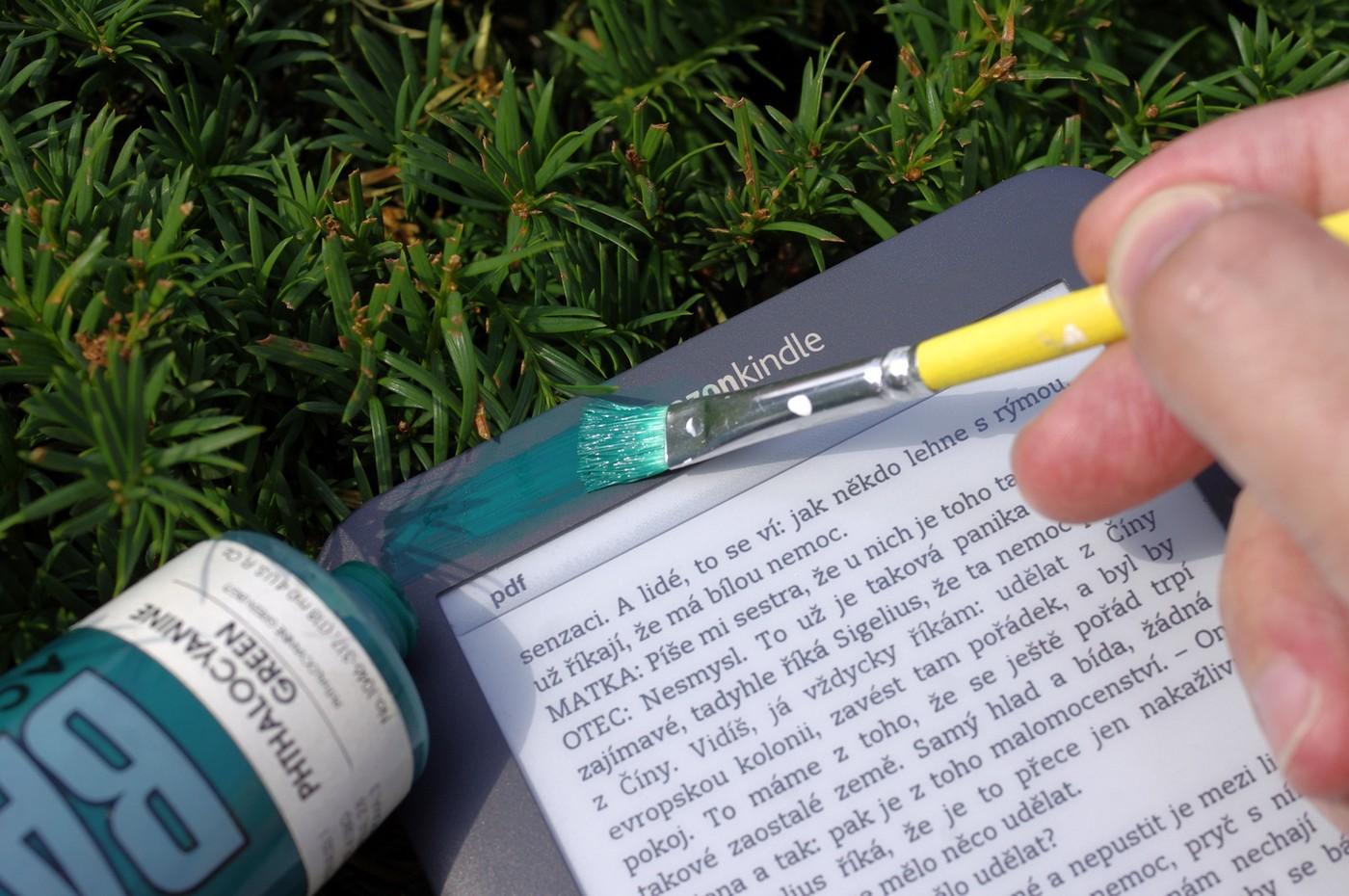 Čtečky e-knih nemusejí být tak zelené, jak jsme si doposud malovali. Přechod na elektronické knihy ssebou nese ekologické faktory, které nejsou okamžitě zřejmé